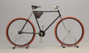 """Exceptional C. 1898 Pierce chainless 22"""" frame pneumatic safety """"cushion"""" frame model"""