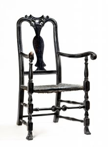 Important 18th c. Boston, Massachusetts or Portsmouth, New Hampshire maple armchair