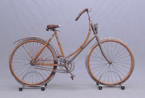 C. 1898 Comet wooden framed female pneumatic safety