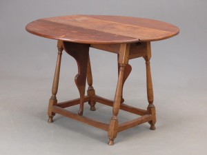 18th c. Dropleaf Table