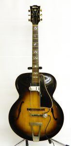 Late 1935-1939 Gibson L7 arched top guitar with OHSC Dearmond pickup.