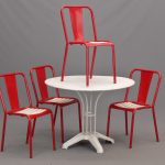 Vintage metal table and (4) chairs